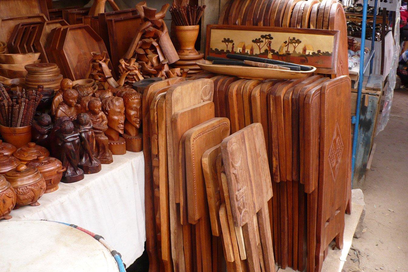 Le travail du bois hautex artisanat de madagascar vente for Les artisans du meuble